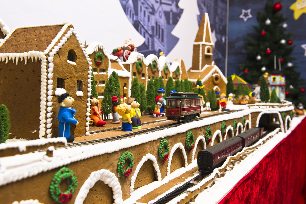 Gingerbread Village by EPICURE