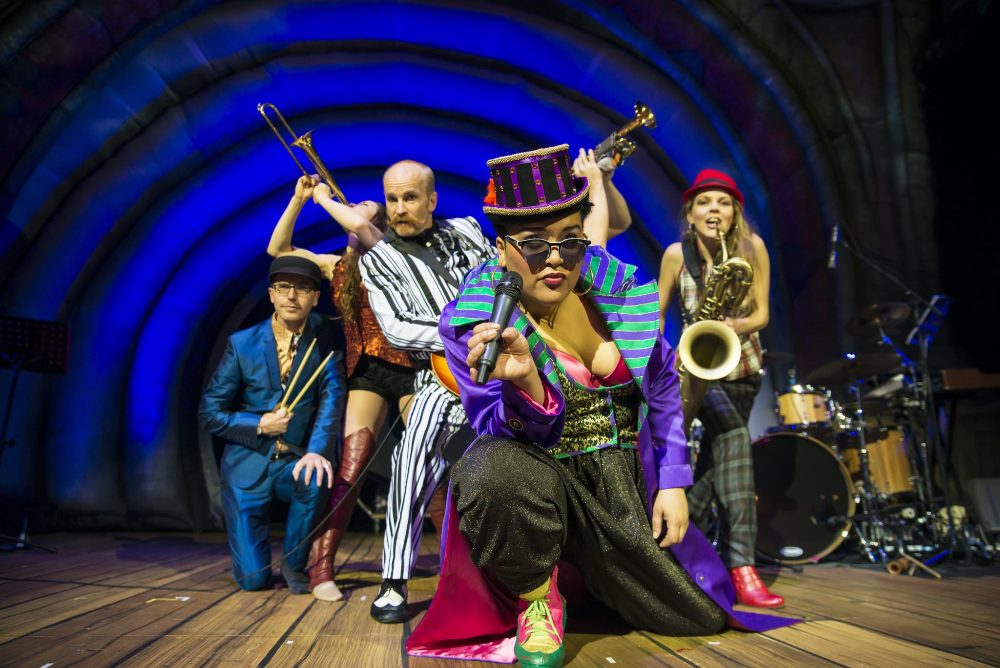 Circus Oz 2014